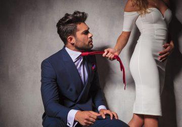 cravate phallique pour un désir